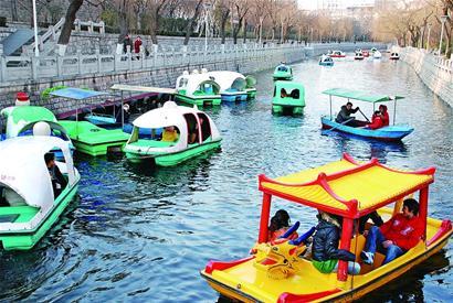 济南假日末期生意好游客明显增多