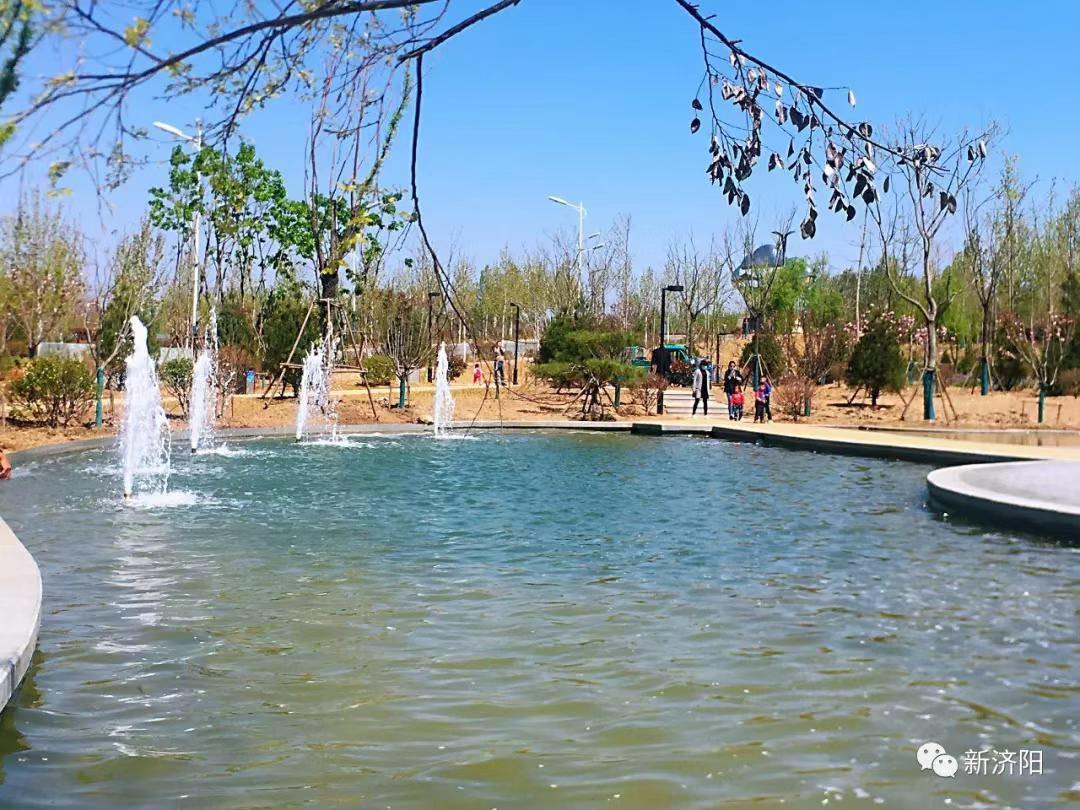 济阳城区又一处喷泉广场建成,小桥流水宛